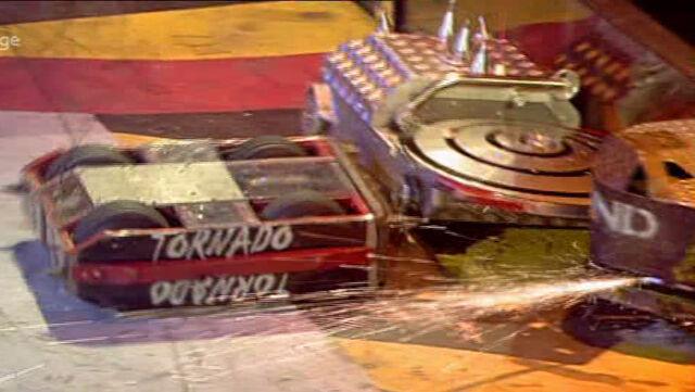 File:Hypno-Disc vs Tornado.JPG