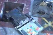 Tut Tut vs Tricerabot