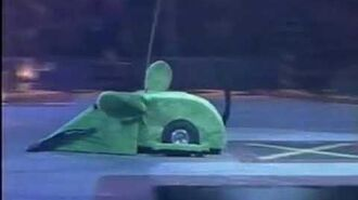 Foreign Favourites Tricerabot vs The Green Mouse