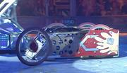Brutus Maximus loses a wheel