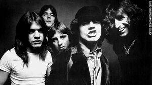 AC DC – Band 1