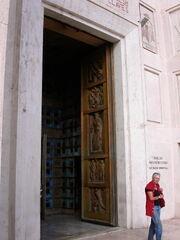 2011 Pietro e Paolo, door