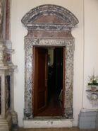 2011 Ambrogio, left transept doorway to right