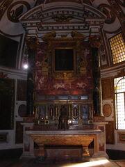 Sant'Agapito, altar