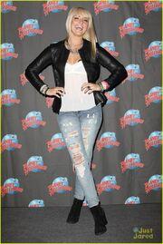 Rydel Planet Hollywood & Good Morning America (4)