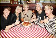 R5 with giant meatballs (2)