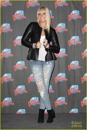 Rydel Planet Hollywood & Good Morning America (5)