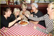 R5 with giant meatballs (4)