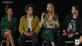 """Roswell, New Mexico (2019) Crashdown Cafe Panel """"Classic Roswell Fans"""""""