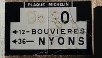 Plaque Michelin sur la D70 à Bourdeaux (26)