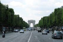 1280px-Paris 75008 Avenue des Champs-Elysées axe historique 20090501 (01)