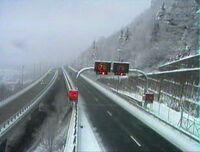 Début du viaduc de Nantua après avoir neigé