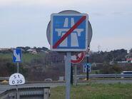 Panneau de fin d'autoroute