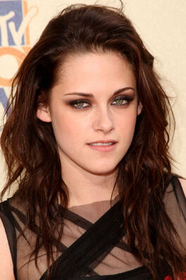 Kristen-stewart-at-2009-mtv-movie-awards-closeup
