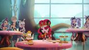 Wonderlandians eating - WTWP1