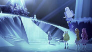 EW - CR - 122 Crystal approaches the throne