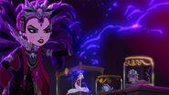 DG BTQ - Raven attacks her mom