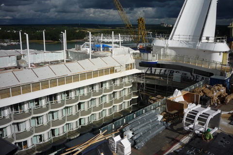 Allure-of-the-Seas-Shipyard-Top-Deck