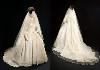 Wedding Dress Of Princess Margaret Royalty Wiki Fandom