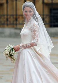 Kate middleton wedding dress m