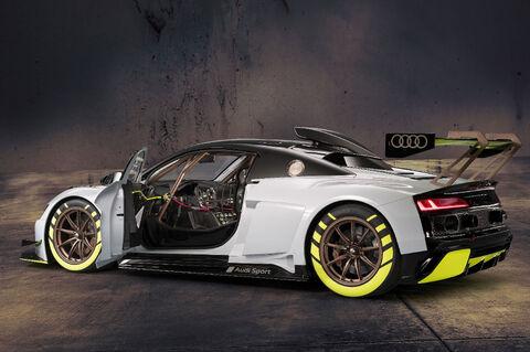R8 LMS GT2 (2)
