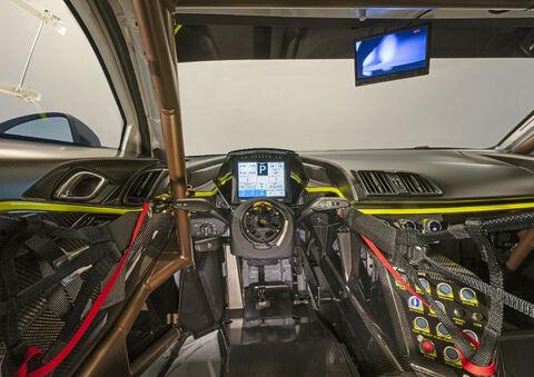 R8 LMS GT2 (3)