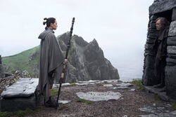 Star-wars-the-last-jedi-rey-and-luke 6961b055