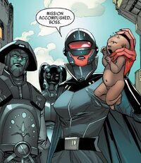 Инквизиторы доставляют младенца