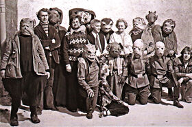 Mos Eisley BTS group shot