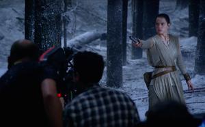 Daisy Ridley films lightsaber duel