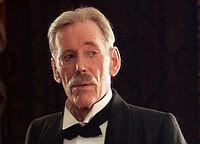 Peter O Toole als Conan Doyle