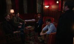 Crowley unterbricht Gavins Plan