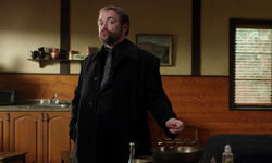 Crowley manipuliert den Zauber