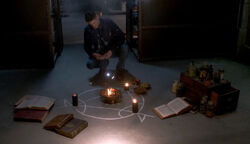 Dean beschwört Crowley