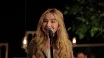 Playlist-Sessions-Sabrina-Carpenter-Radioactive