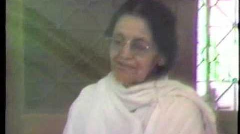 Mrs Gandhi visits Ma Anandamayi in 1981