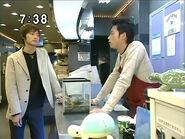 Mamoru rozmawia ze sprzedawcą PGSM - act15