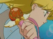 Minako i Venus Crystal Change Rod