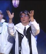 Shunsaku Yajima - Profesor Tomoe