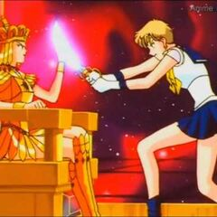 Sailor Galaxia pelea con Sailor Uranus