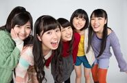 Momoiro-Clover-Z-becomes-Twinkle5-in-Christmas-Drama-Tenshi-to-Jump-04-610x400