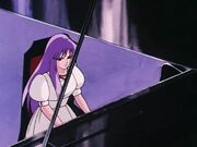 Saori tocando el Piano