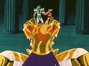 Saga vs Shiryu y Seiya