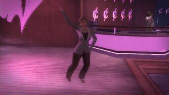 Cocks woman dancing on the dancefloor