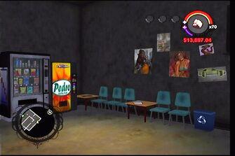 Donnie's garage in Saints Row - interior waiting room