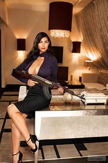 Ultor Exposed Tera promo - Tera holding AK47 downwards