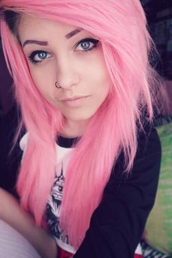 Pinkhairedgirl