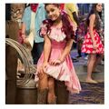 Cat Valentine dressed as a cowgirl.jpg
