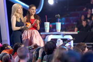 Jennette and Ariana getting on stage at KCAs 2013