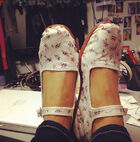 Ariana shows her new shoes for Sam & Cat
